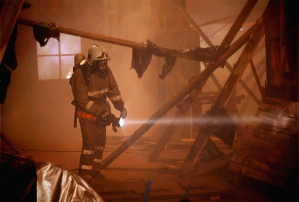 Best Flashlights and Helmet Lights for Firefighters - FirefighterNOW